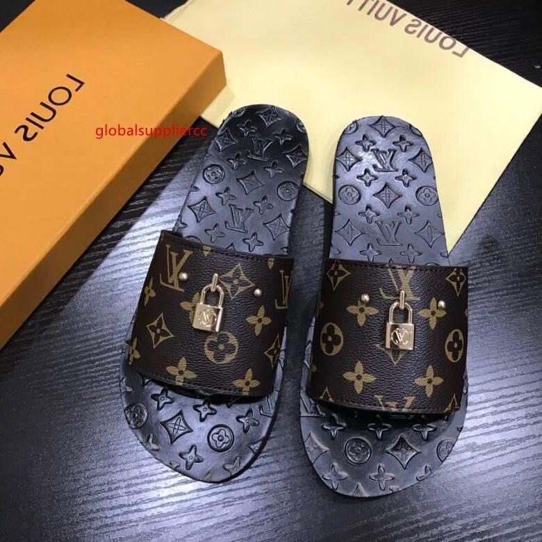 Yeni bahar ve yaz kahverengi kilidin terlik Erkekler Elbise Ayakkabı BOT makosenler SÜRÜCÜLERİ TOKALARI SNEAKERS SANDALS baskılı