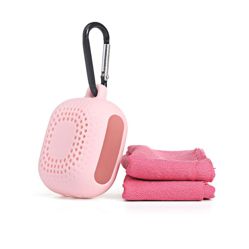 Wholesale Cooling Towel With Silicone Box 400*400 Mm Microfiber Quick Dry Golf Gym And Yoya Sport Towel