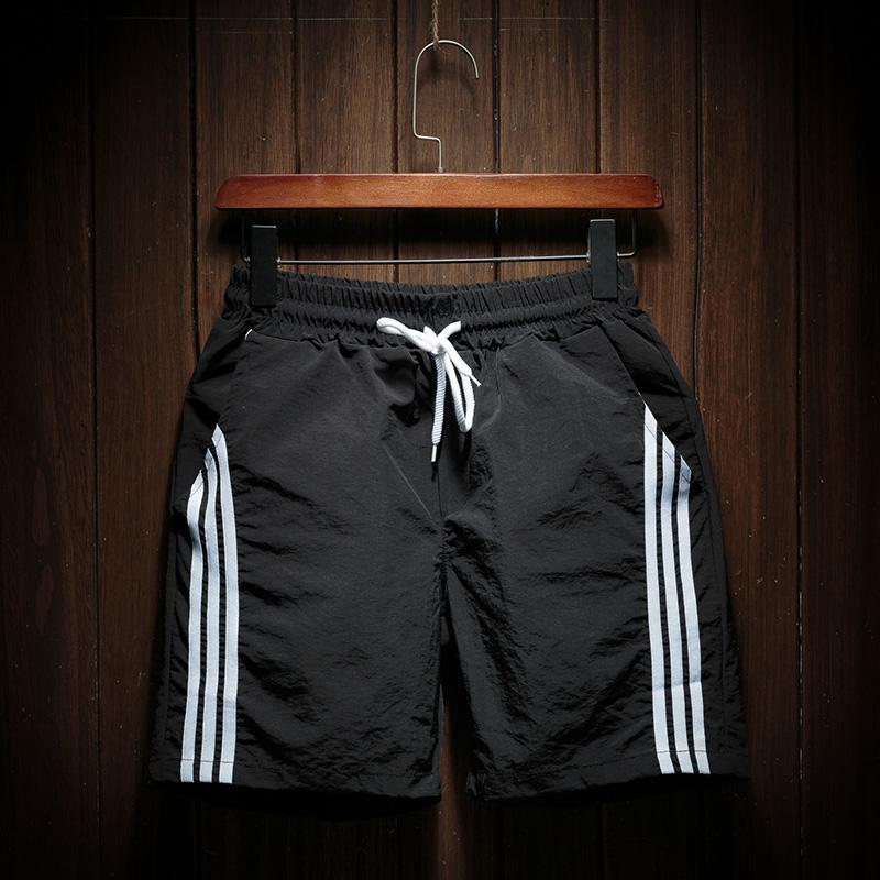 Los hombres ocasional del verano de los cortocircuitos de rayas 2020 para hombre Ropa de deporte corto pantalón del basculador masculino transpirable Pantalones Bañadores envío de la gota