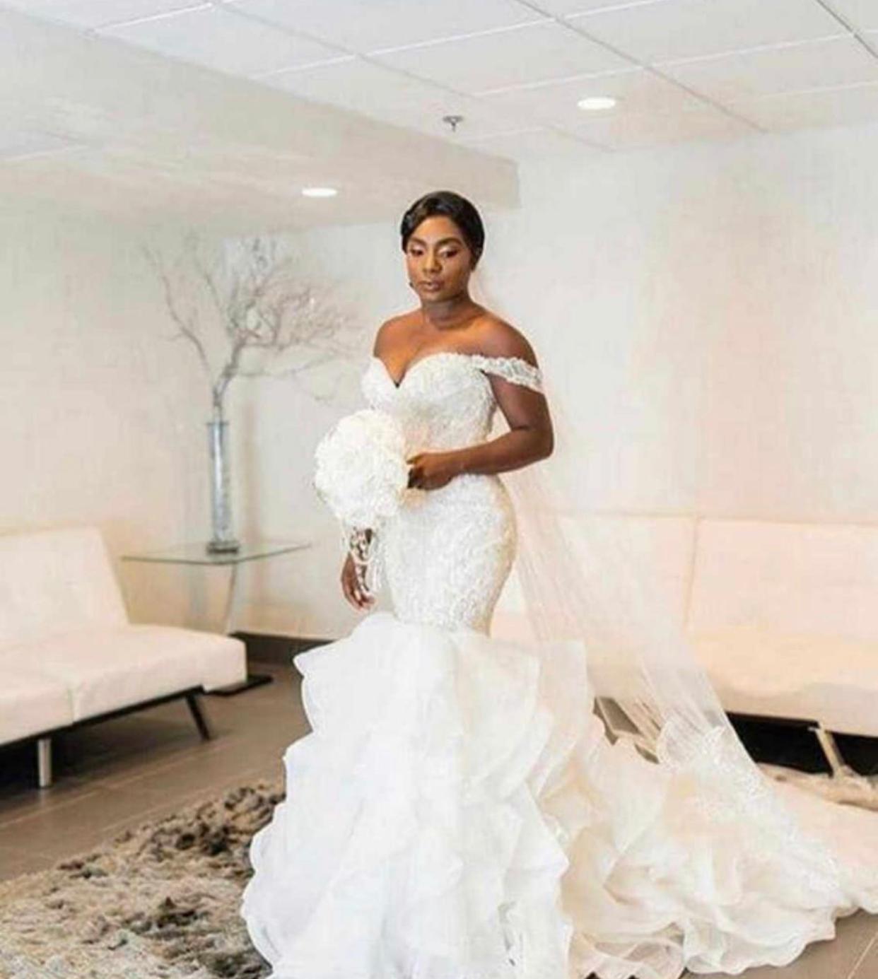 2020 Sereia vestidos de noiva fora do ombro com roubos tule vestidos nupciais barato mais vestido de tamanho