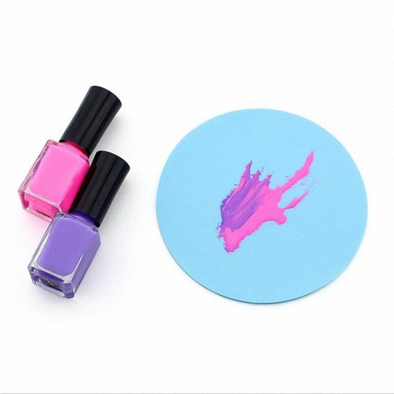 DIY Women Silicone Paint Palette Mat Butterfly Plum Blossom Washable Nail Stamp Pads Nail Manicure Decoration Tools TT85#