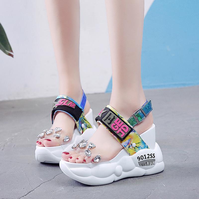 Rimocy tıknaz platformu büyük yapay elmas pvc sandalet kadın yaz moda şeffaf süper yüksek topuklu takozlar sandalias mujer 2019 01D CS07