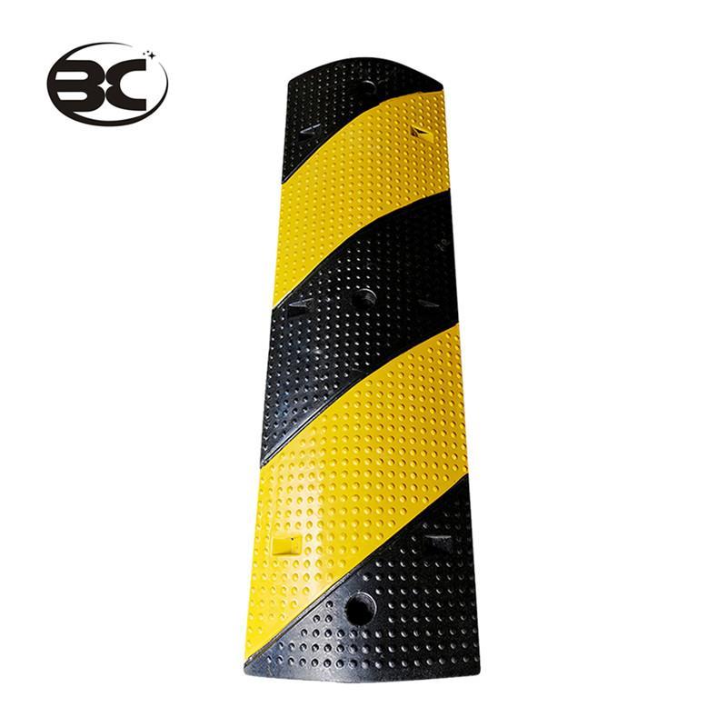 Traffico dossi Driveway Speed Bump durevole Nero Giallo Cavo Protector Rampa per Outdoor Sicurezza sulle strade