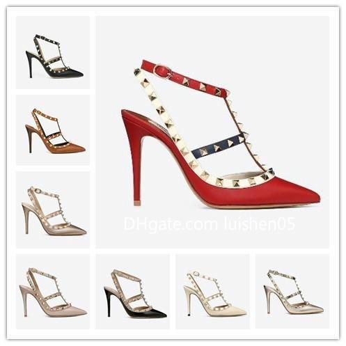 Designer Apontado Studs Toe saltos altos do couro envernizado rebites sandálias das mulheres Studded Strappy Sapatos valentine 10cm de salto alto Calçados m2058