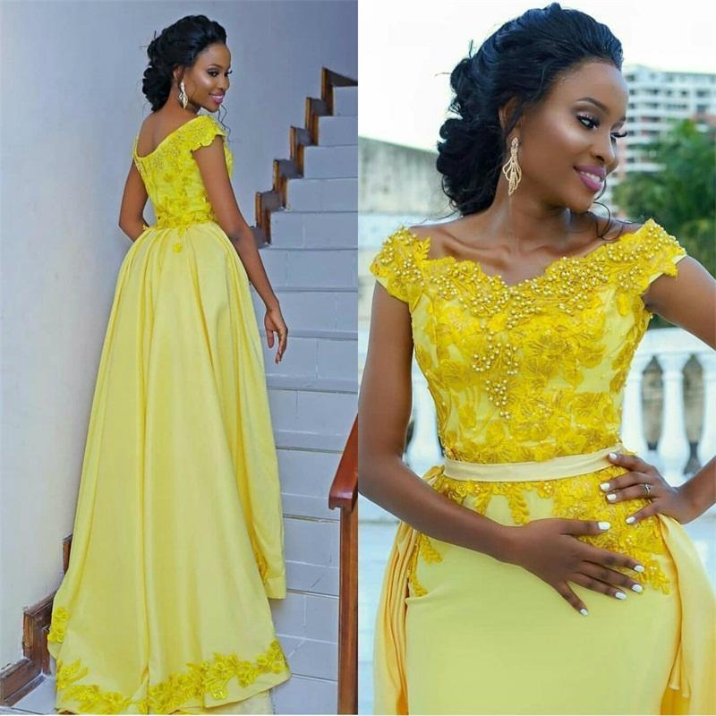 Generous Capped V Neck Evening Dresses with Beaded Lace Applique Detachable Train Vestidos De Novia Zipper Back Formal Bride Gowns