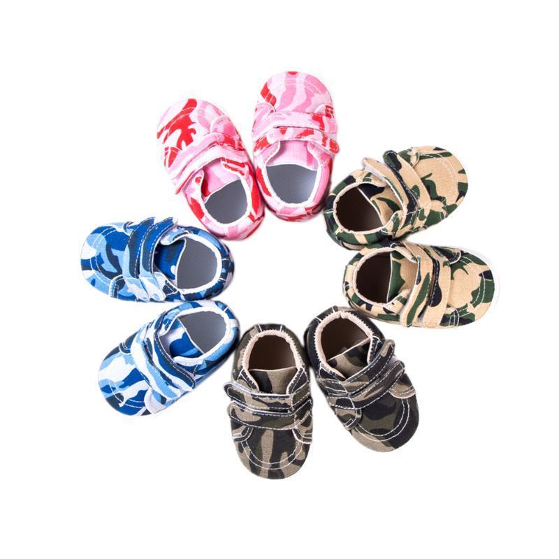 Primeros caminantes 2021 Zapatos para bebés para niños pequeños Impresión de camuflaje PREWALKER PREWALKER DE ZAPINADORES PARA NIÑOS NIÑOS