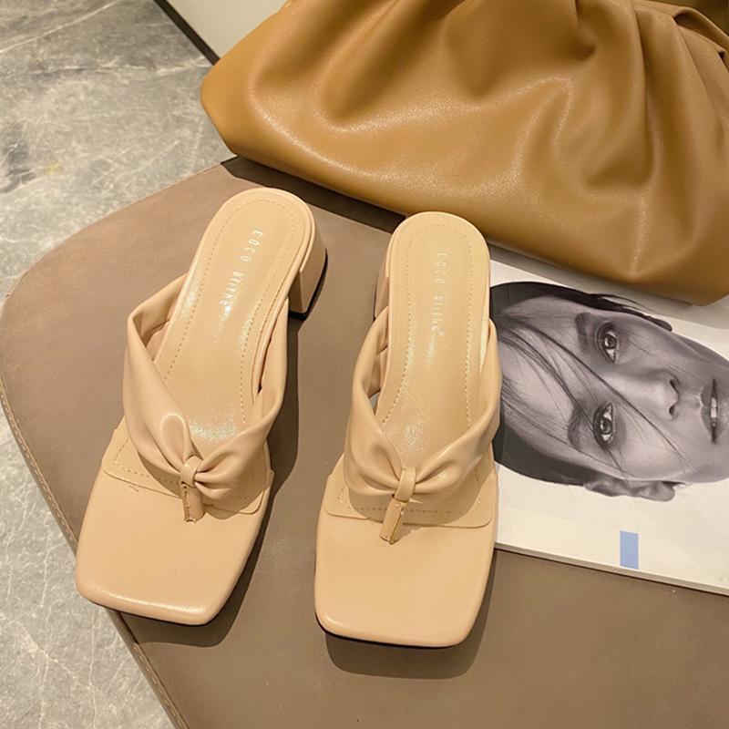 Frauen NEUE reizvolle PU-Flip-Flop-Platz Kopf Peep Toe High Heel Hausschuhe Summer Fashion Slip On Thin Heels Slides Frauen Mules Partei
