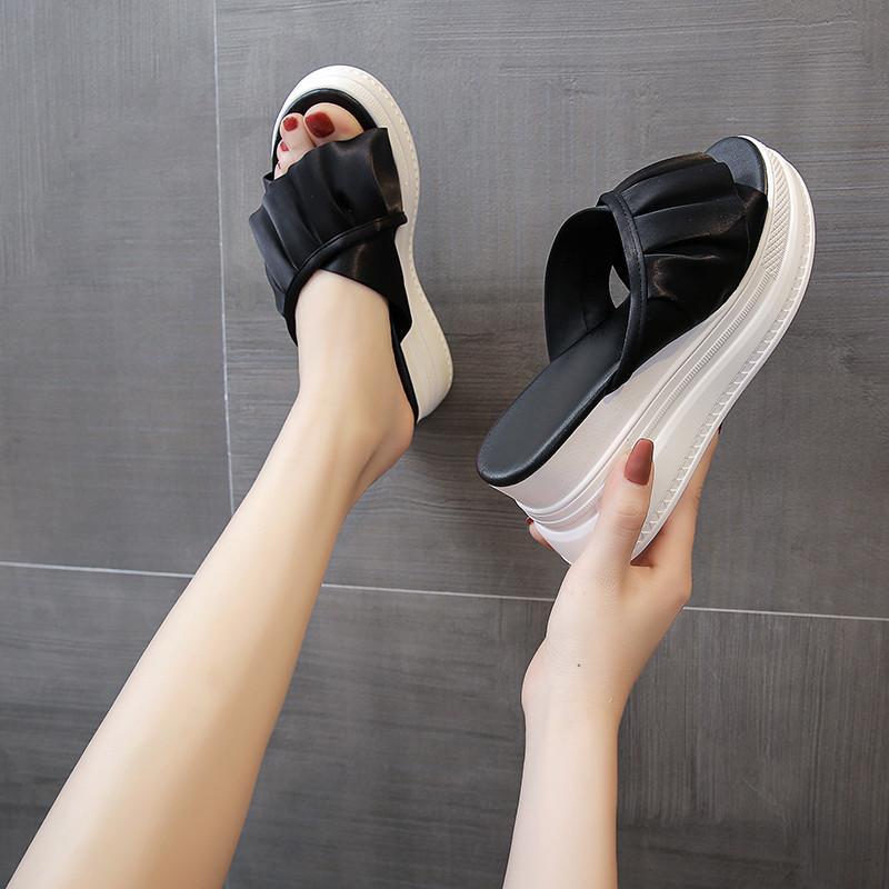 Складки Платформа Клин Тапочки Женщины Высота Увеличение Тапочки Черный Бежевый Клин Слайды Летняя обувь Женщины-Бич Слайды 2020