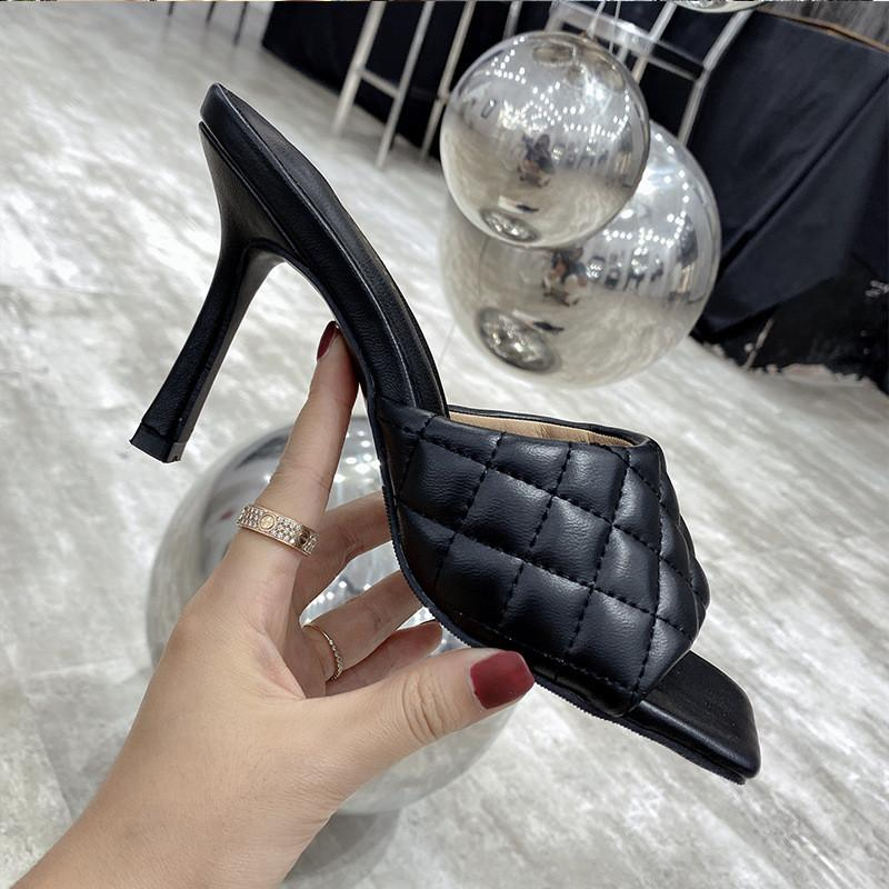 Hausschuhe Frauen Sexy PU Diamant Quadrat Kopf Peep Toe High Heel 2021 Sommer Mode Slip auf dünnen Fersen Folien Maultiere Party