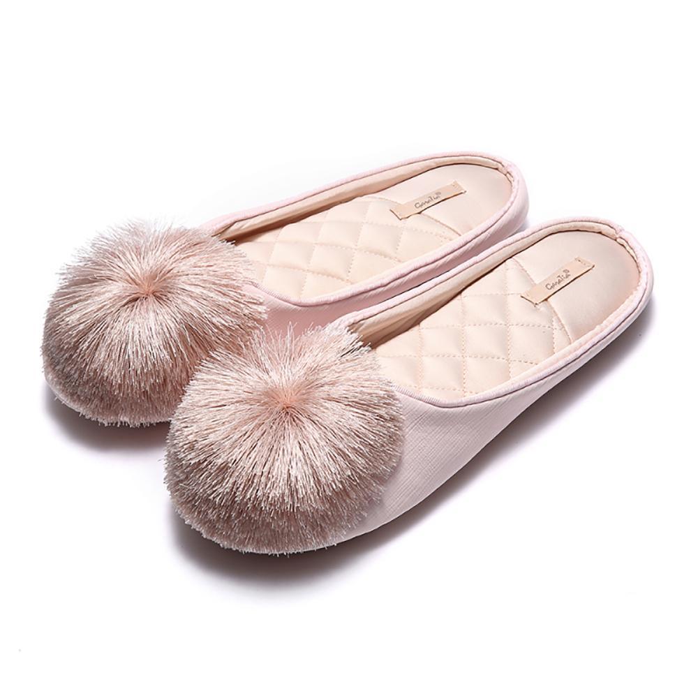 Kadınlar Evi Terlik 2020 Kürk Slaytlar Memory Foam Kayma-on Rahatlık Püskül Ponpon Ev Ayakkabı Düğün Yatak Kaymaz Kapalı Katır Y200706