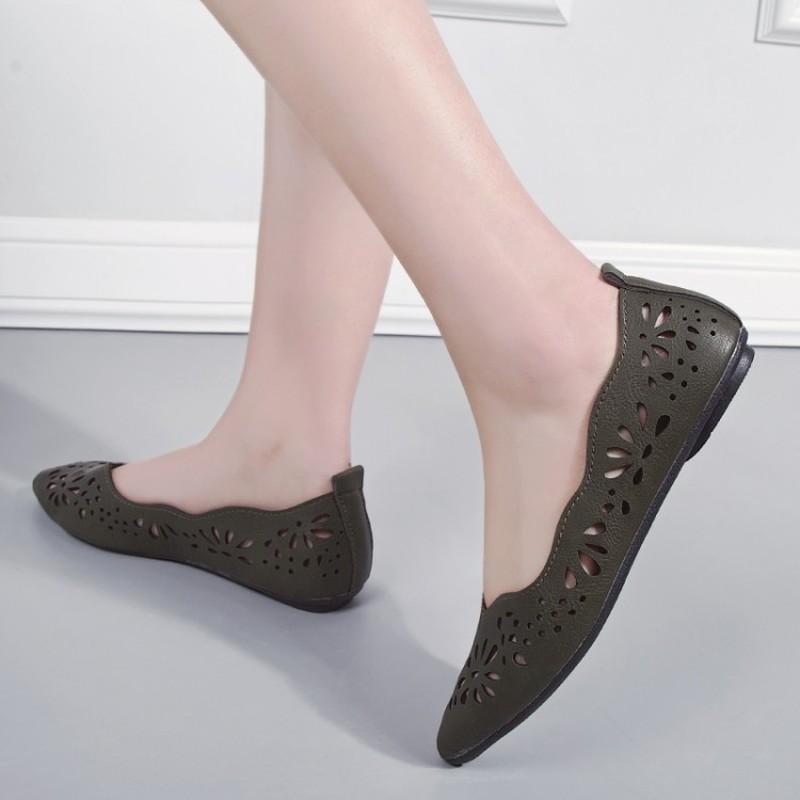 2020 verano nuevas mujeres de los zapatos de los holgazanes superficiales suave de la manera plana mayor de los zapatos transpirable antideslizante de punta estrecha Pisos J15-87 CS09