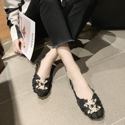 2020 zapatos de los guisantes nuevo verano de la mujer pequeña fragancia superficial negro perla zapatos planos boca suave de la manera abajo sola