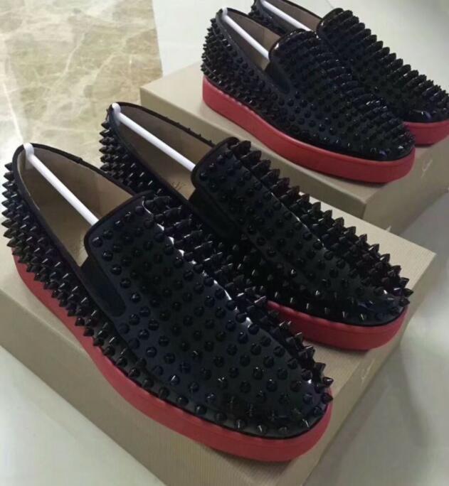 2018 Yeni kaliteli beyaz süet gümüş kristal Kırmızı Alt Ayakkabı Moda Rivets Dikenler Çivili Sneakers İçin Erkekler Düşük Üst Düz Ayakkabı Z25