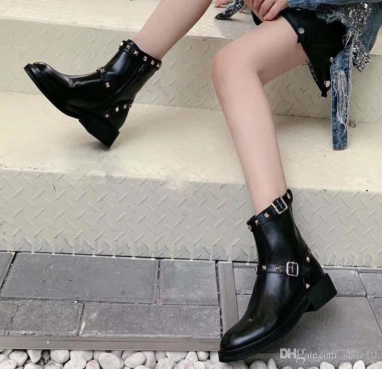 2019 Últimas Mulheres de couro liso Botas, Lady inicialização clássico desordem Ankle Shoes Casual em Clafskin High Heel Bombas com caixa Tamanho 35-41 v01