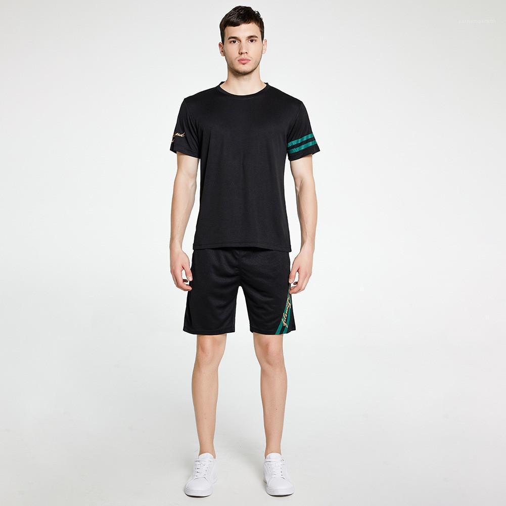 Lettre O cou à manches courtes Shorts Costumes de jogging Courir Printemps Été Hommes 2PCS rayé couleur unie Quick Dry Sport Hommes Designer Survêtements
