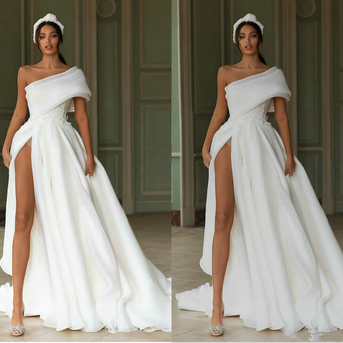 2020 A-line Wedding Dresses Sexy One-shoulder High-split Appliques Sash Bridal Gown Tulle Ruched Sweep Train Custom Made Robes De Mariée