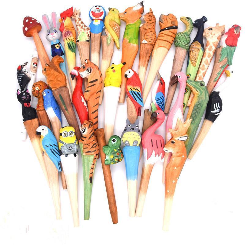 Caliente de la venta de los animales bolígrafos talla de madera del bolígrafo pluma creativa de la bola escultura de madera hechos a mano del bolígrafo del estudiante Envío libre