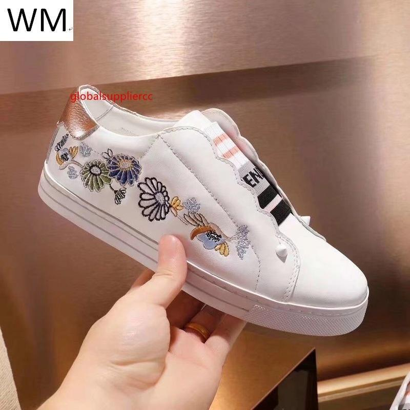 New Fashion Broderie Fleur Flats Sneakers Robe Chaussures de skate danse Ballerines Mocassins Espadrilles Wedges