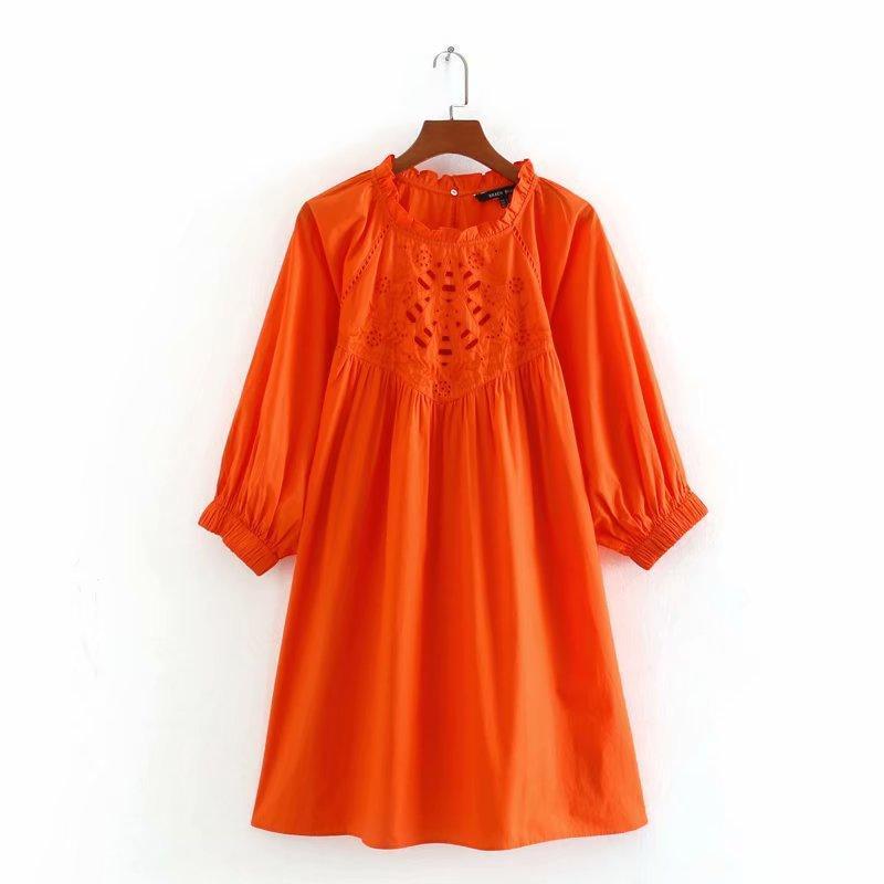 2020 Una linea Crew a maniche lunghe primavera-estate nuovo scava Embroided donne vestiti arancioni sheining vadiming epoca femminile plus size