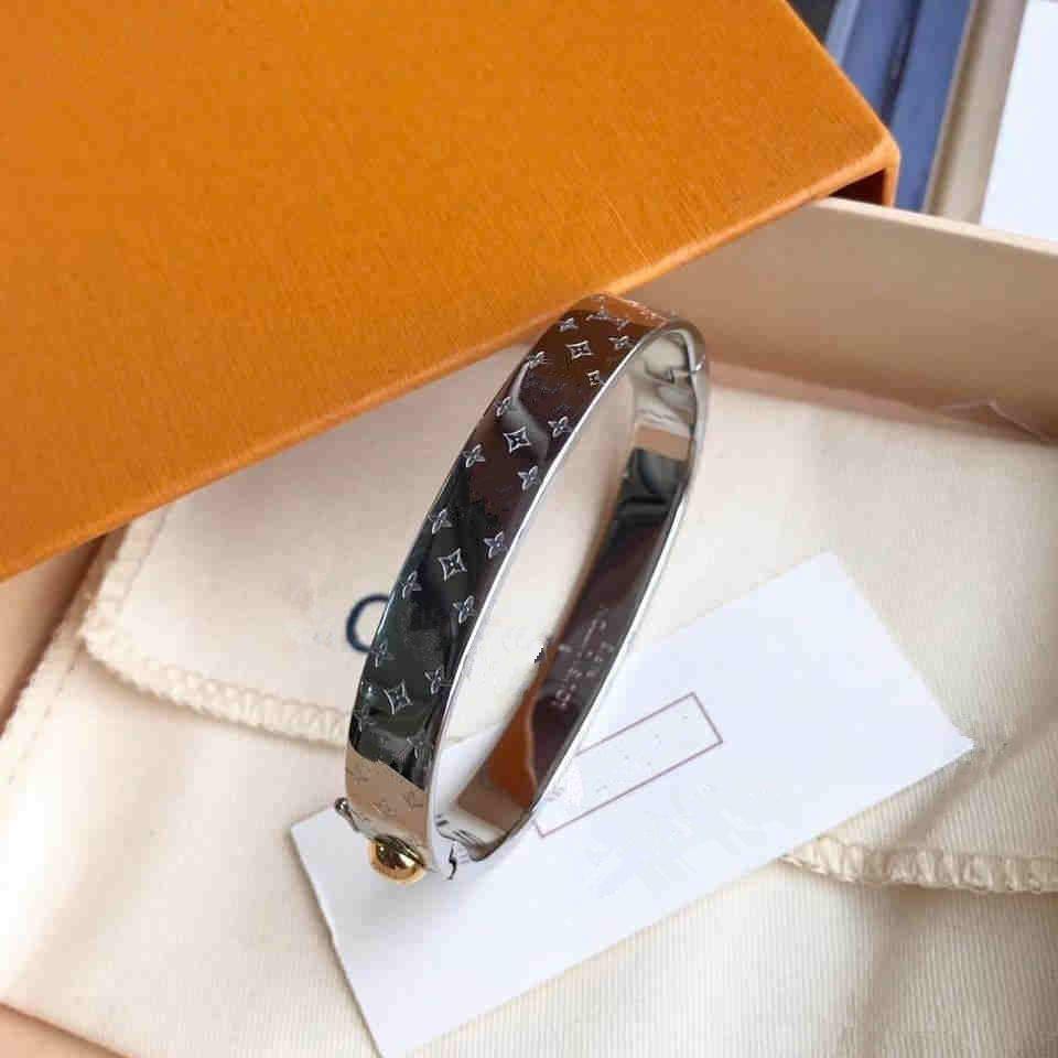 2020 Bijoux Acier Titane gros Boucle Flèche Conception du commerce extérieur V Marque Bracelets Titane Couple acier Bracelet L (No Box)