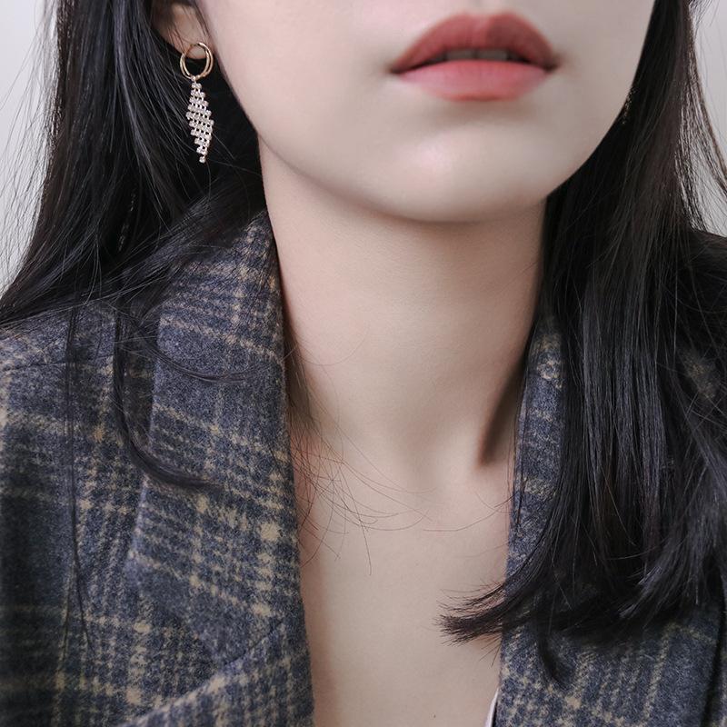 Alla moda Commuter nappa Orecchini S925 Silver Needle orecchini del diamante Alta Sensibilità orecchini temperamento Tutto-fiammifero Net Rosso