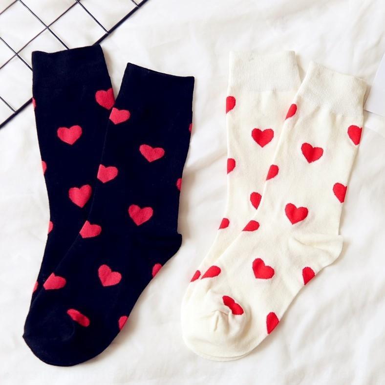 18 Herbst und Winter neue japanische und koreanische Liebe zur Mitte der Wade ins Sport casual Mädchen Student Cotton Baumwolle Socken Haufen Socken
