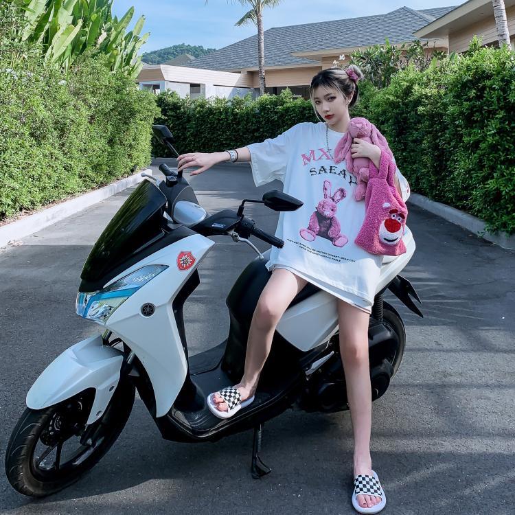 progettista delle donne magliette del fumetto di coniglio a maniche corte delle donne T-shirt abiti firmati marca di marea di estate ragazza bf paio vento oversize