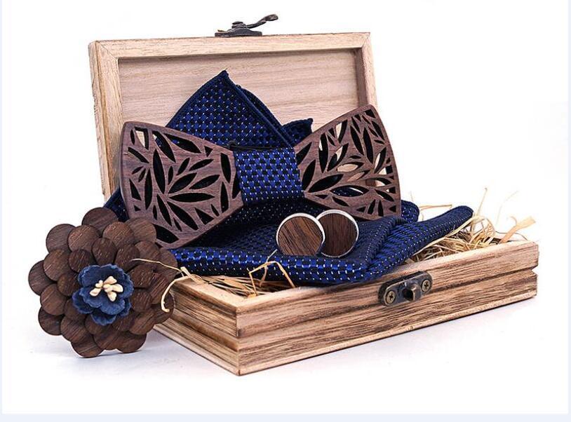 Arco de madera de los hombres lazo de la mano tallada hombre de madera hueca fiesta de la boda a cabo de la pajarita corbata de lazo de la flor en el pecho de la mancuerna de madera cuadrada de 4 piezas caja de regalo conjunto