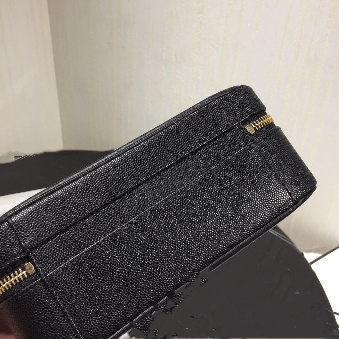 Klassische Handtasche der Dame 7A High-End-kundenspezifische Qualitätshandtasche Mode-Business Casual-Style Metallzusätze mit langen Schulterriemen