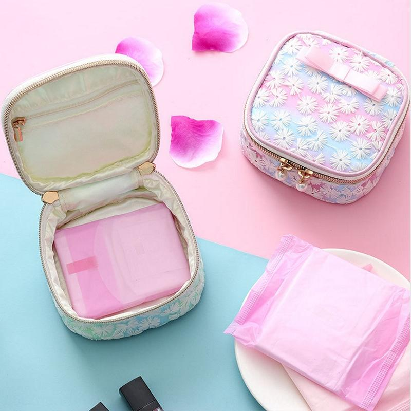 Japanische nette Mesh bestickte Aufbewahrungstasche Tante quadratische Serviette Damenbinde Beutel mit Hygiene Baumwolle