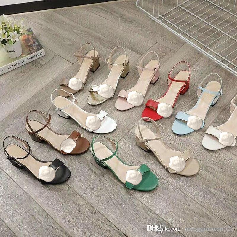 Sandales à talons hauts classiques Fête Fête 100% cuir Femmes de travail Chaussure de chaussure Sexy talons 5cm Lady Metal Ceinture boucle Boucle épaisse talon chaussures grandes taille 34-41-42 avec boîte