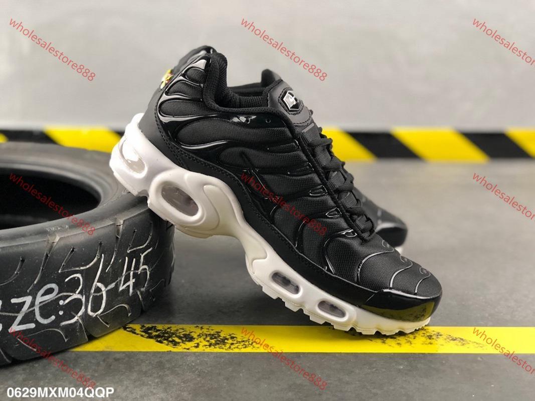 Nike Air Max Tn Plus  2020 hococal 무료 배송 2018 도매 높은 품질의 무지개 전체 검은 색과 흰색, 빨간색 TN 남성의 실행 스니커즈 운동화 캐주얼 신발