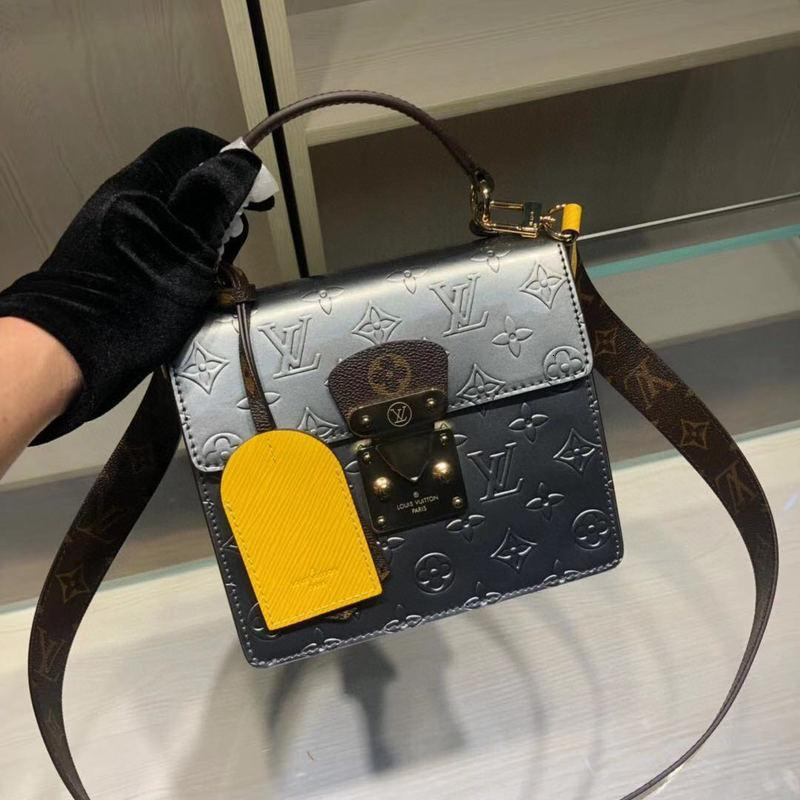 um ombro saco 7A high-end de qualidade personalizado estilo de moda saco de acessórios de metal ouro novas mulheres diagonais cruzadas com destacável 1 longa shoul