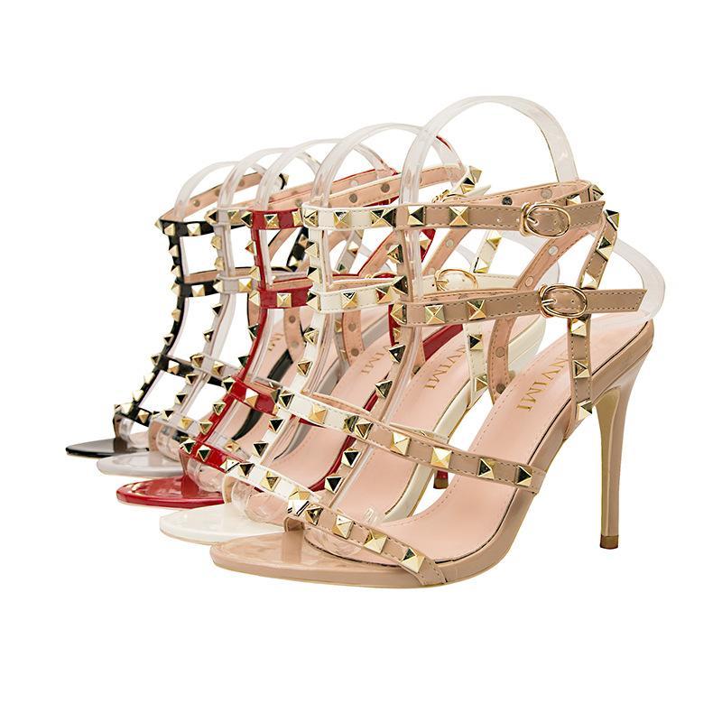 Designer Nouveau luxe européennes et américaines sexy Nightclub Escarpin en cuir verni métal Rivet Sexy Nightclub Sandales Chaussures romaines Chaussures cadeaux