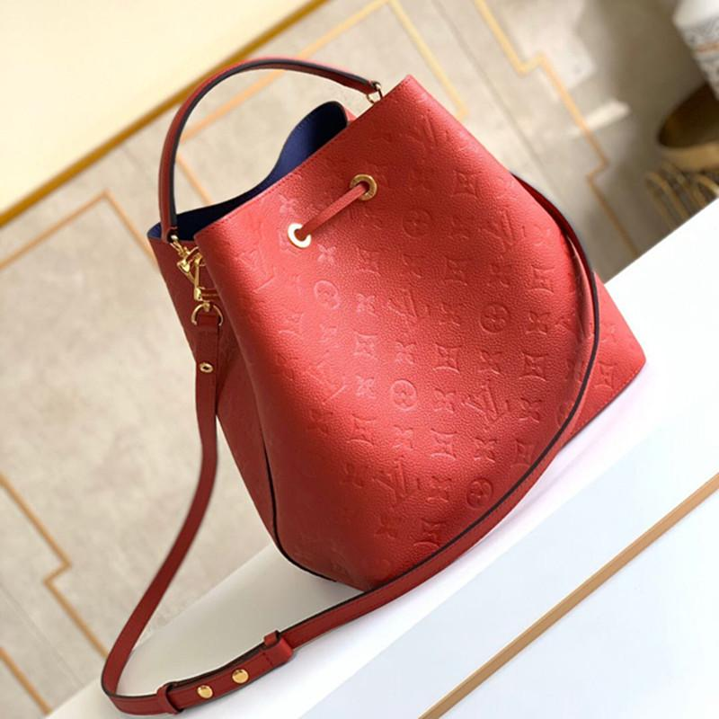 7A high-end custom quality classic women's one-shoulder bag fashion style gold metal accessories with detachable long shoulder strap
