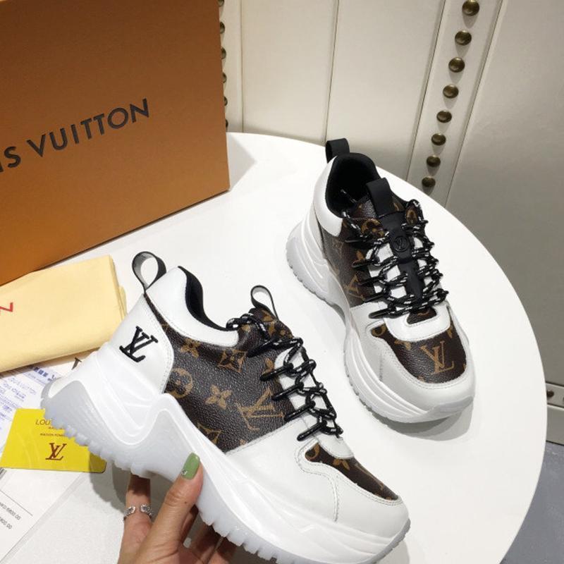 Designer Luxus-Frauen-beiläufige Art und Weise Schuhe, Damen-Outdoor-Freizeitschuh, hochwertiges Ledermaterial, original box 24