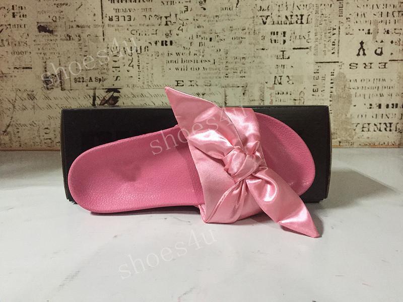 (Com Box + saco de poeira) Rihanna Fenty Bandana slides Bowtie Mulheres chinelos de praia Sapatos 10 cores Verão New Arrival laço de cetim SANDÁLIAS SLIDE CS01