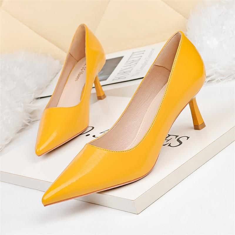 Luxury Women Yellow 6cm High Heels Pumps Beige Red Black Patent Leather Office Ladies Low Heels Party Wedding Prom Female Shoes