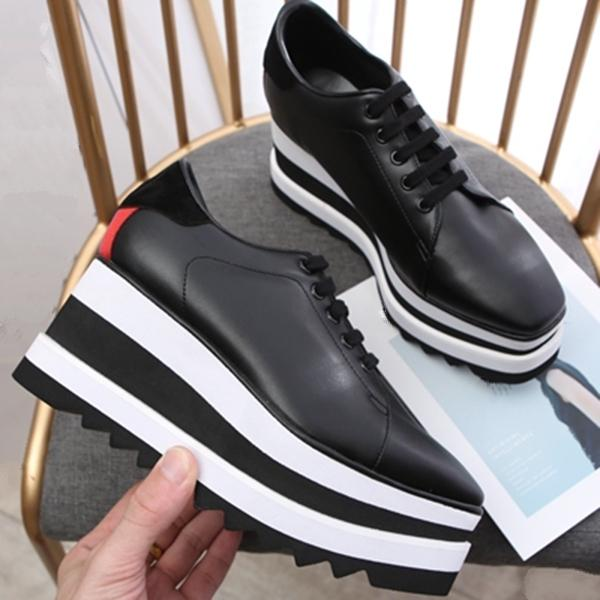 2020 nouvelles femmes en cuir vachette cuir véritable plate-forme Chaussures Casual Découpes étoiles Oxfords Stripes Wedge à lacets Sneaker.qa06