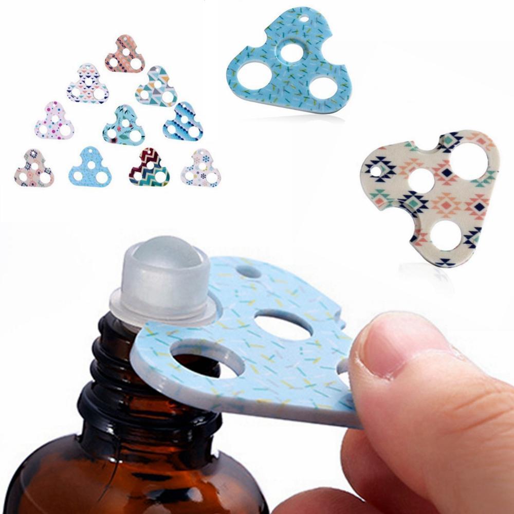 مثلث فتاحة زجاجات عطرية زجاجة النفط فتاحة المفتاح البلاستيك الفتاحات الطباعة الملونة KitchenTool قبعات زجاجات إزالة LJJP219