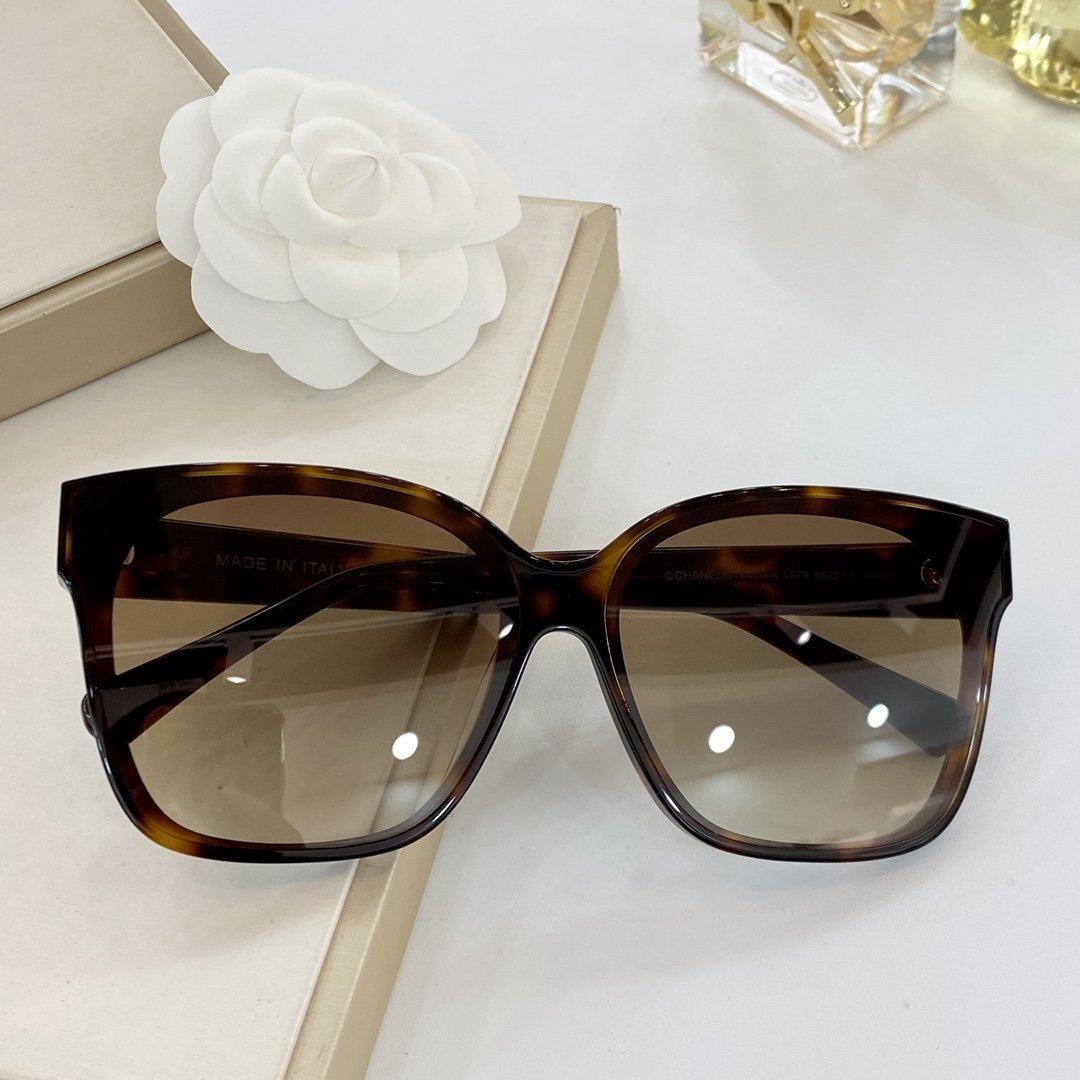 2020 La nueva moda El tipo mariposa vidrios enmarcan alta calidad UV400 clásicos siete clases de color La lente Un conjunto completo de los envases