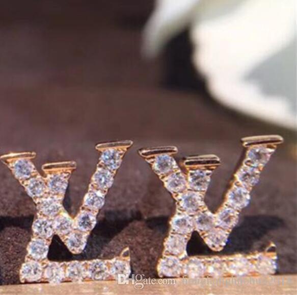 Yeni 925 gümüş elmas elmas taklidi küpe vahşi basit harf yeni tatlı bayan küpe düğün aksesuarları