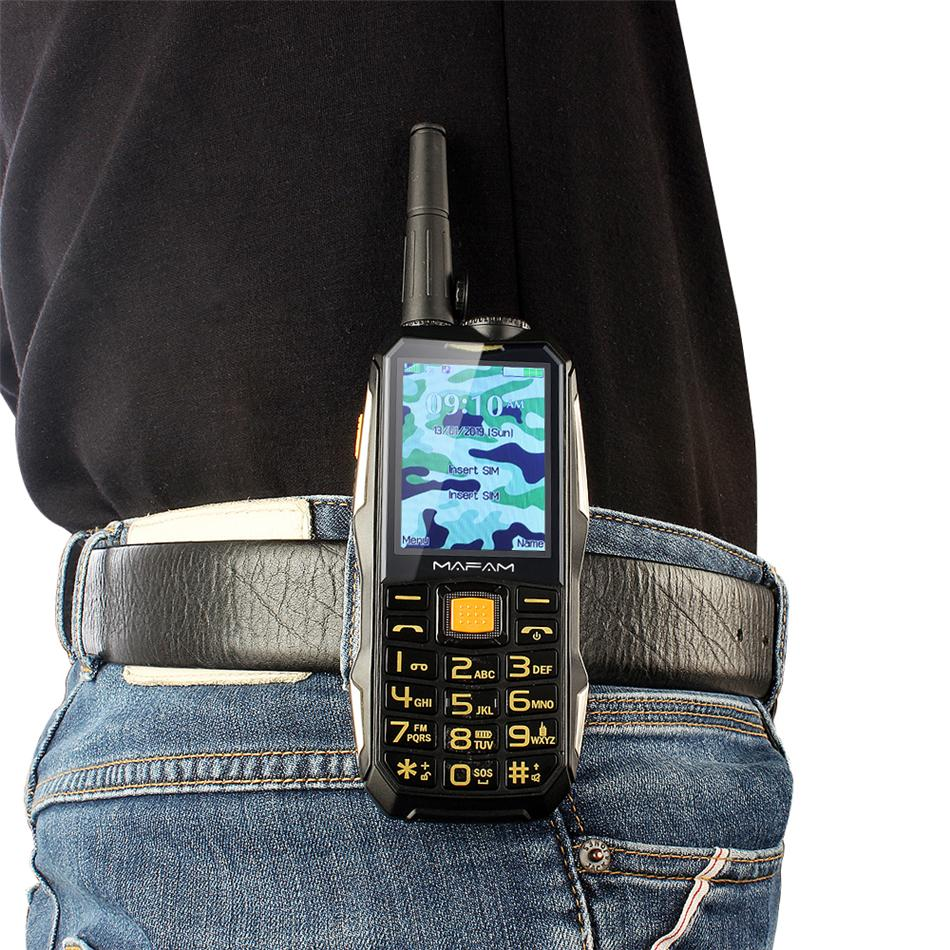 Desbloqueado Dual SIM Card resistente à prova de choque exterior Mobile Phone UHF Hardware Intercom Walkie Talkie Clipe de Cinto powerbank Facebook Celular