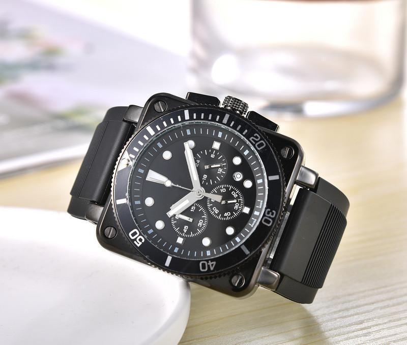 Atacado Mens Watch Moda Design quadrado All Dial Trabalho Chronograph Movimento Quartz pulseira de borracha 45 milímetros Masculino Esporte Relógio de pulso presente Relógio