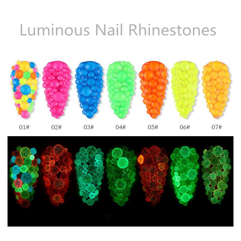 Karışık Boyut Aydınlık Kristal Nail Art Rhinestone Dekorasyon Floresan Glow In Dark 3D Glitter Elmas Taşlar SS6-SS20 F713