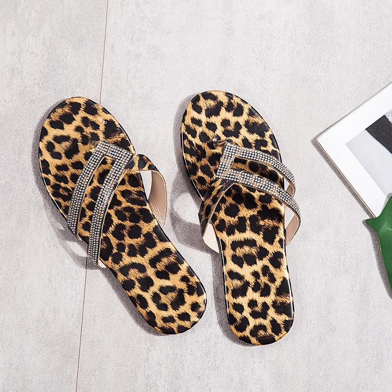 2020 Frauen Sandalen Leopard-Druck-Sommer-Schuhe der Frauen Strass Sandalen Diamant Flip Flops Plus Size 43 Damen Flip Flop