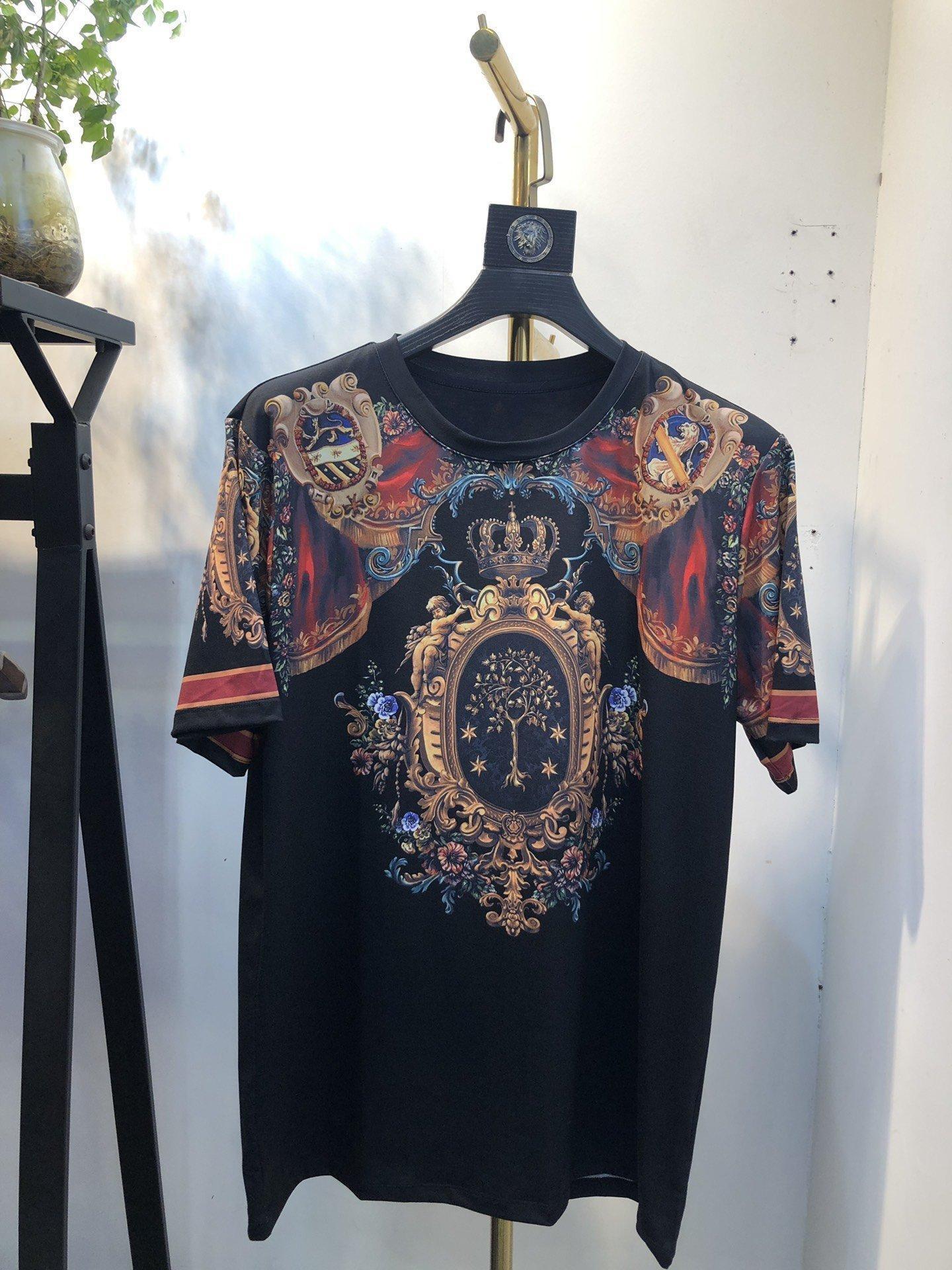 дизайнер Мужская одежда Футболка мужская любимый новый список ринулись новый лучший продавать весной простой красивый классический красивый 0FUK