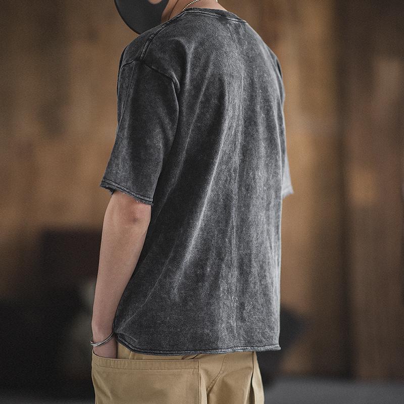 batik à manches courtes col rond lâche version hommes Maden poche T-shirt gris foncé artisanat traditionnel homme à manches courtes