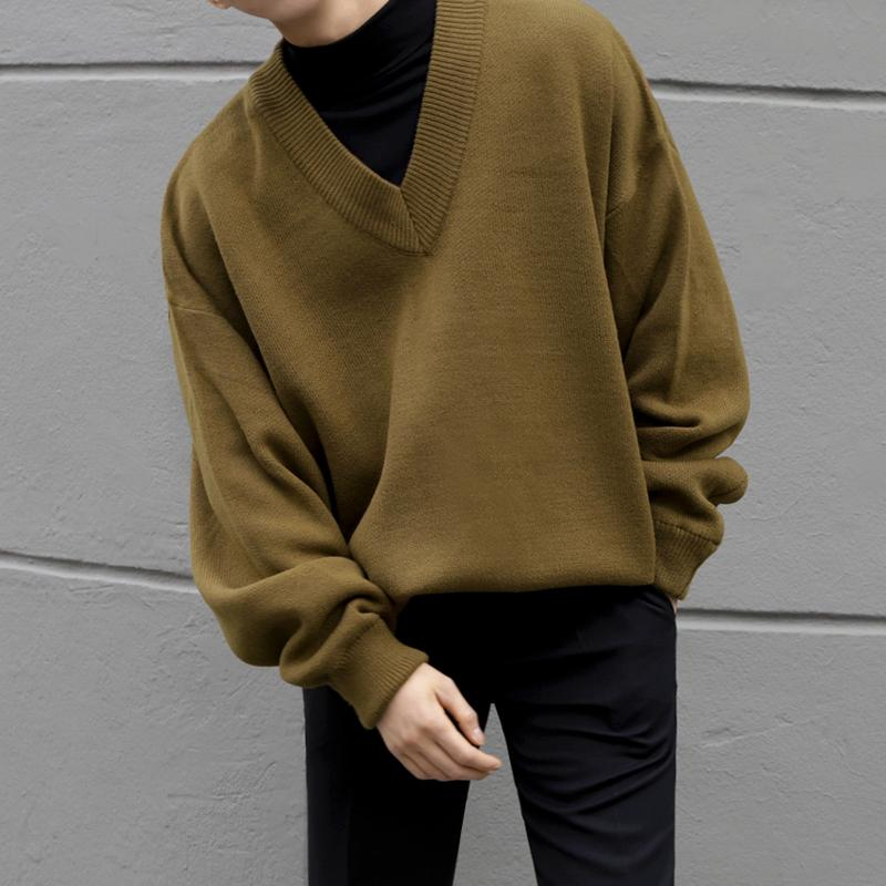 2020 EWQ Mens Wear Autumn Winter V Neck Sweater Males Loose Korean Style Knitted Tops Vintage Long Sleeve Large Size Tops 9Y3271 From Baxianhua,