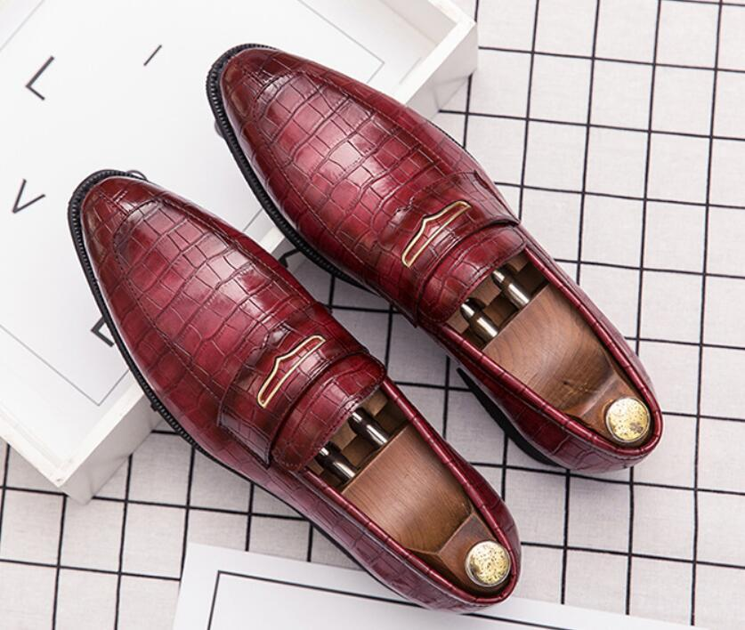 Große Größe von 6,5 bis 13 Mann-Sommer-Schuhe mit niedrigem Absatz Fransenkleid Schuhe Frühling Vintage klassische Male Beiläufiges Büro Schuhe DA39